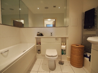 Tradewinds - Wards Wharf Approach, Docklands, E16 , 1455619645bathroom.jpg