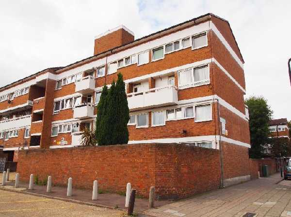 Property for let in Pownall Road, Hackney, E8  | 1500458431canal.JPG