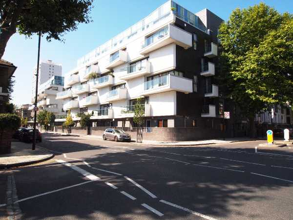 Property for let in Forest Road, Dalston, E8  | 1502799946balcony.jpg