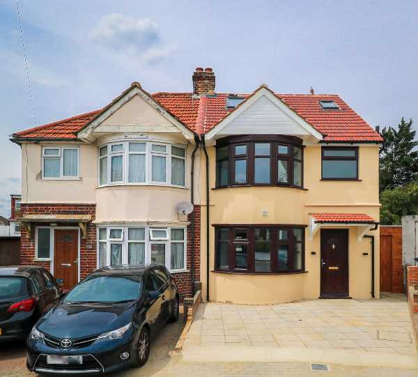 Property for sale in Stuart Avenue, North West London, NW9  | 4255_0_IMG_0804.jpg
