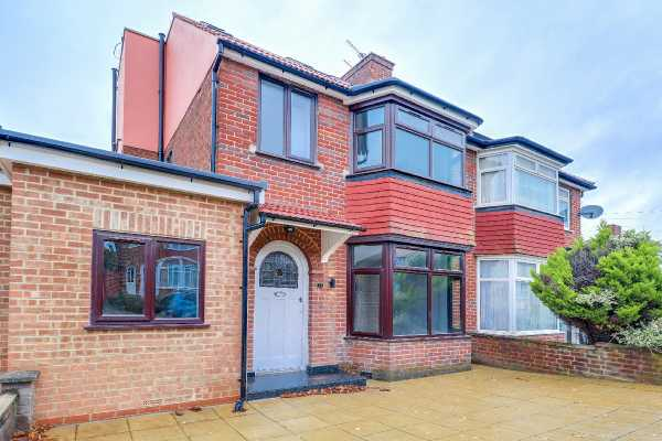 Property for sale in Whitby Gardens, North West London, NW9  | 4359_0_img_0012-img_0014.jpg