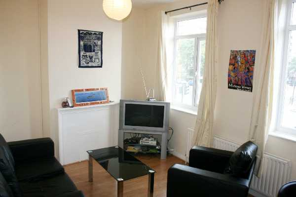 Property for let in Barking Road, East London, E16  | 4550_0_IMG_5894.JPG
