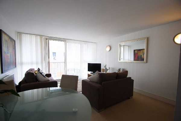 Property for let in Cassilis Road, Canary Wharf, E14  | 4612_0_pic1.jpg